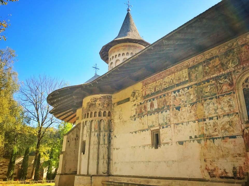 10 Voronet degradare biserica
