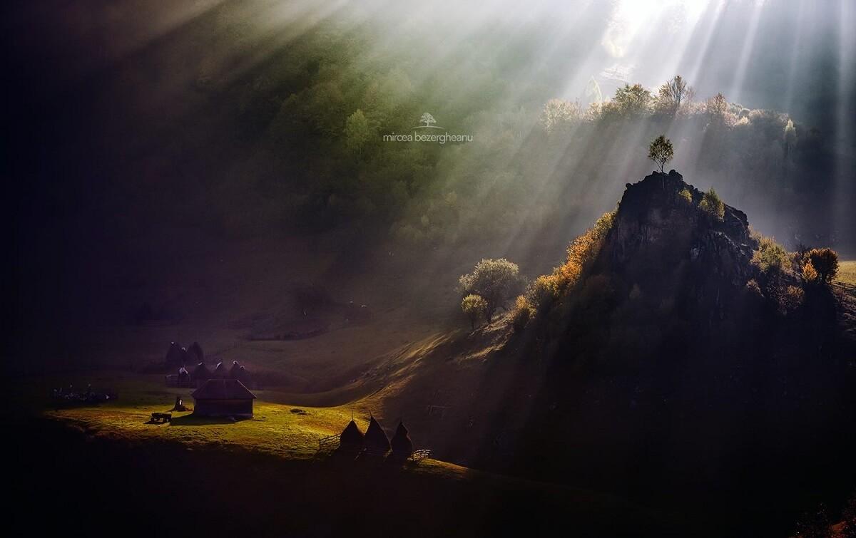 Regatul lui Burebista. Locul de nastere al poporului roman. Mircea BEZERGHEANU Povestea Locurilor