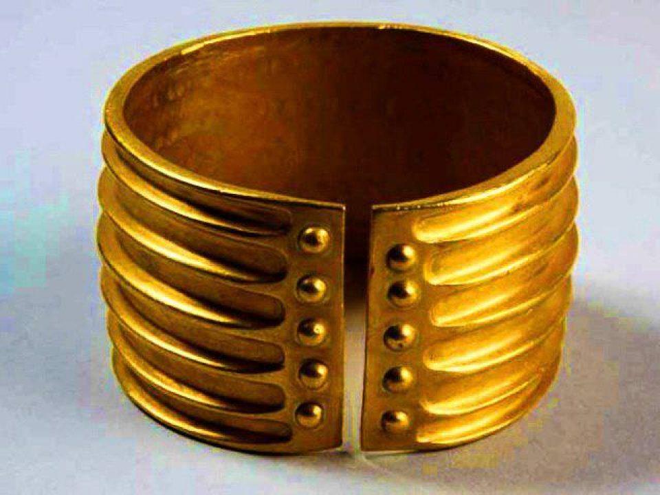 Brățară de aur getică sec. XII î.Hr. (Hinova)