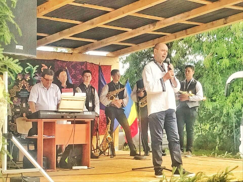 Satele UNITE ale României Eveniment 100 BARU 3