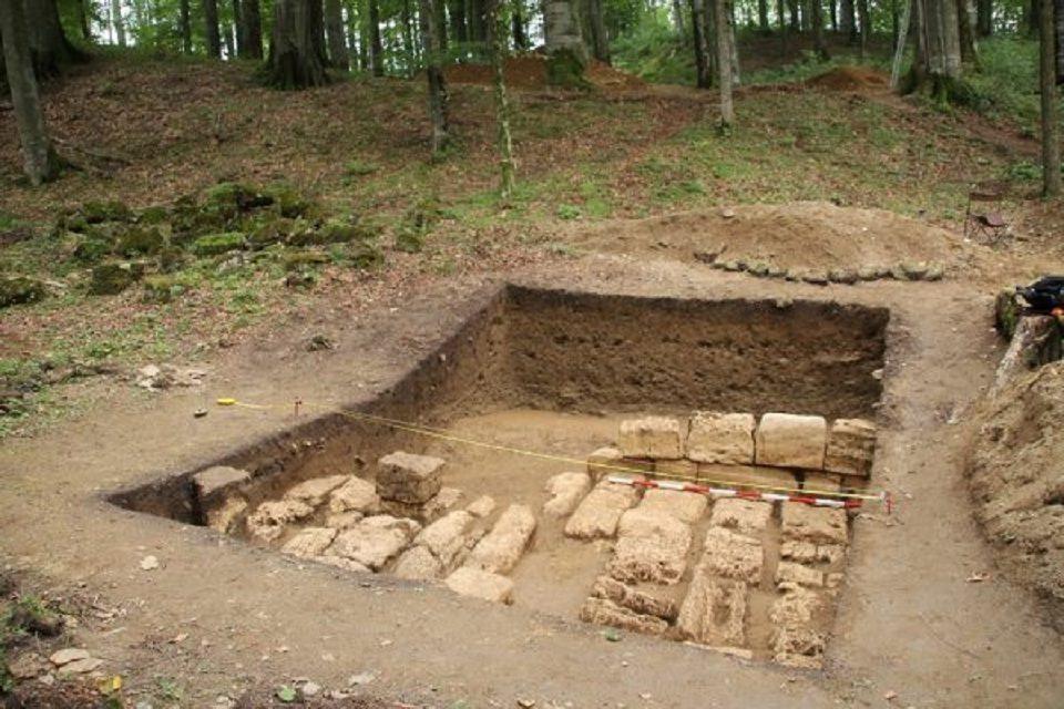 Descoperire în continuarea drumului pavat din Sarmizegetusa REGIA 0