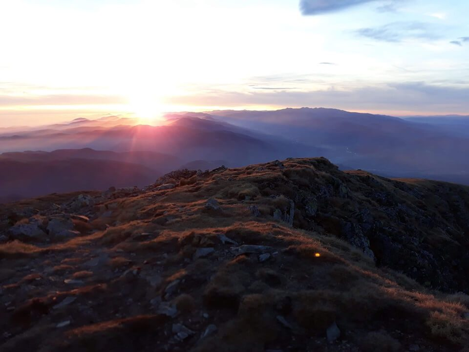1 Vârful Cârja (2.405 m) la 360 °