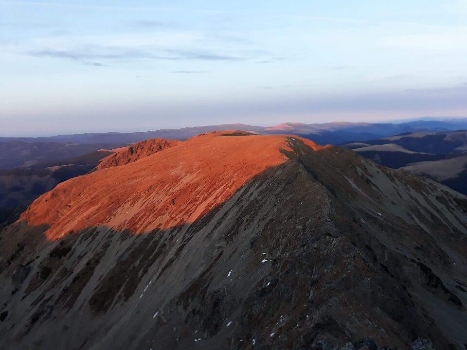 3 Vârful Cârja (2.405 m) la 360 °
