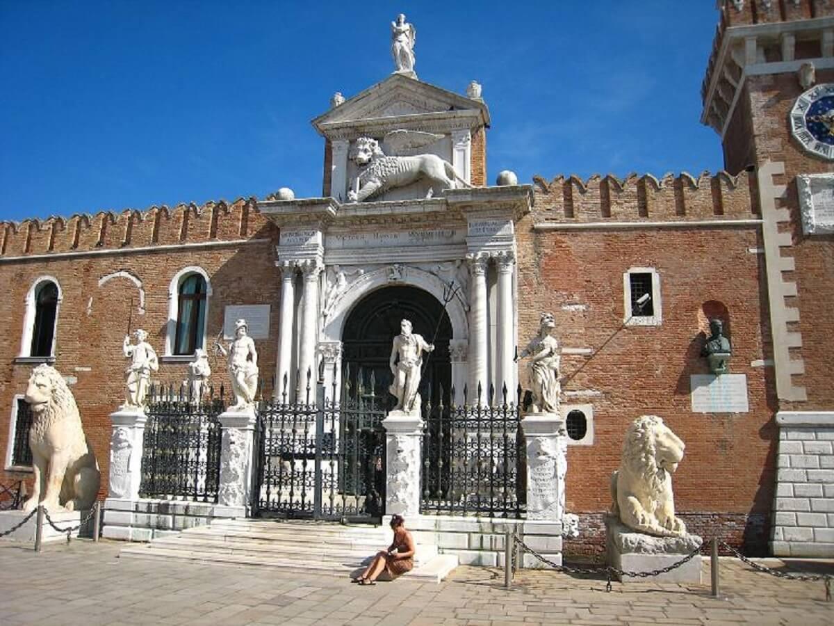 Arsenalul din Veneţia Povestea Locurilor