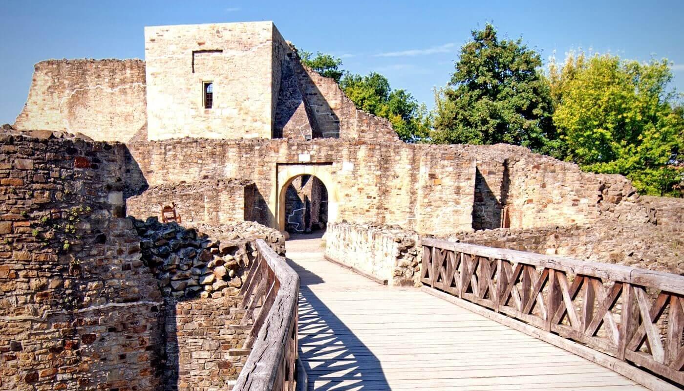 Capitala lui Ştefan cel Mare Cetatea SUCEVEI