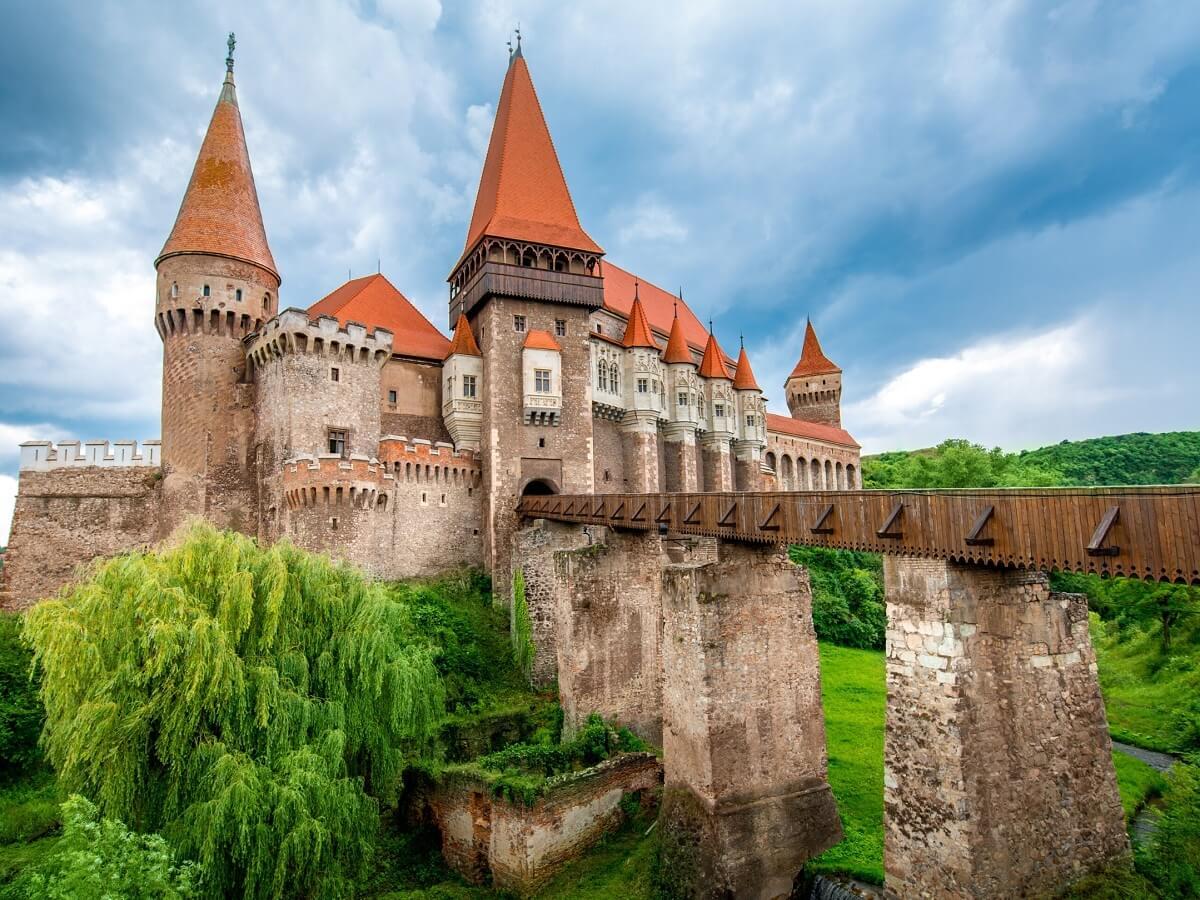 Castelul Huniazilor Strategie Turism Hunedoara 3 Povestea Locurilor