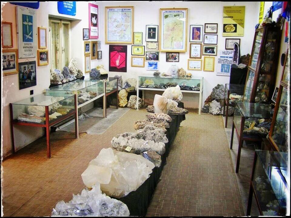Muzeul din Ocna de Fier 1