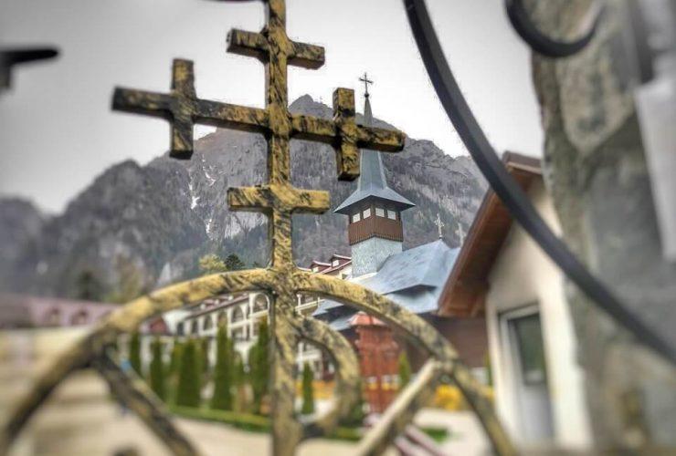 Mănăstirea Caraiman 5