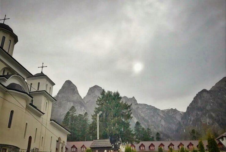 Mănăstirea Caraiman 4