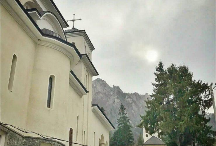 Mănăstirea Caraiman 3