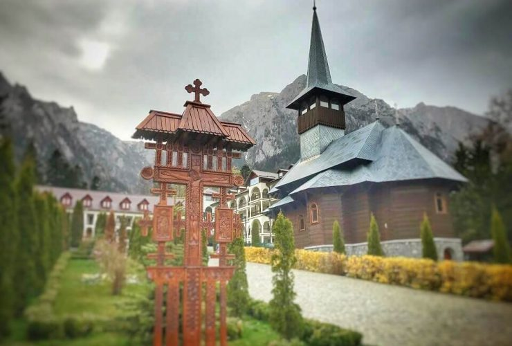 Mănăstirea Caraiman 2