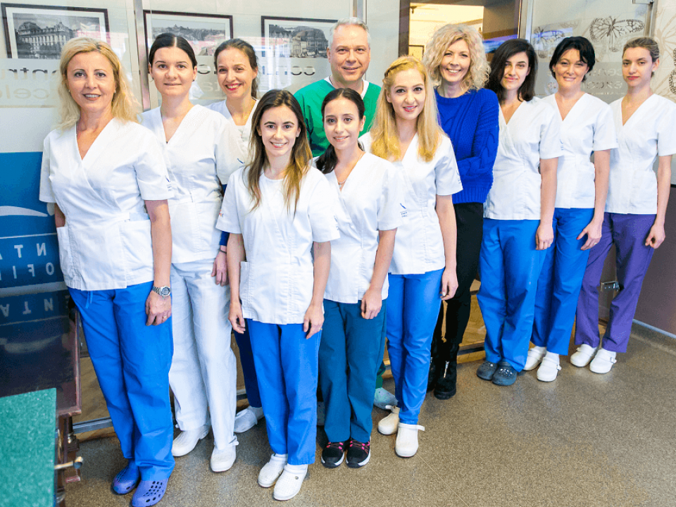 Dragos Slavescu si echipa Dental Profile 4