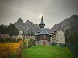 FEATURED Crucea de pe Caraiman. Mănăstirea Caraiman