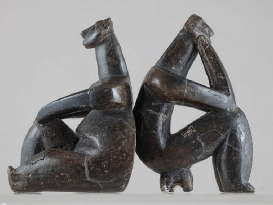 Gânditorul de la HAMANGIA și femeie șezând 2