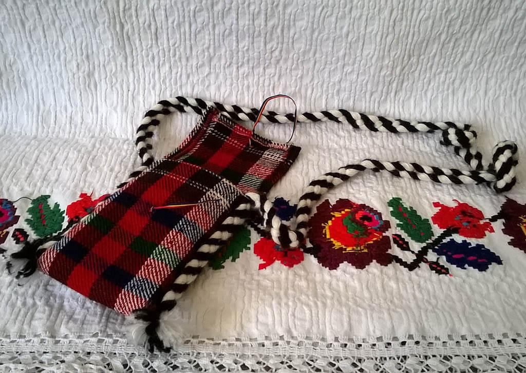 Featured traista traditionala mica Sapanta Maramures Maria ZAPCA
