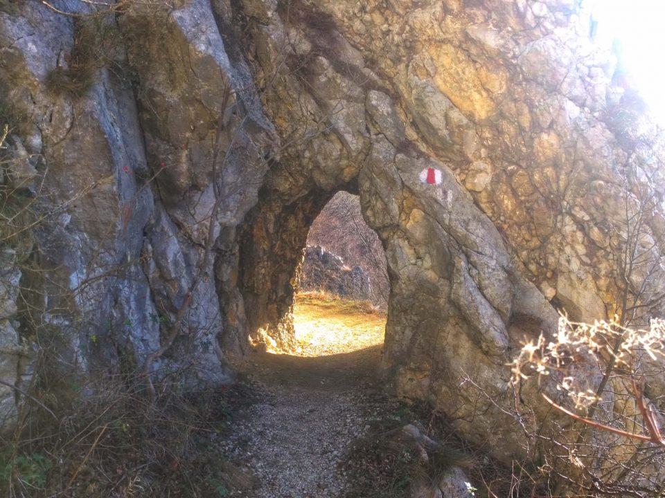 Tunelurile de la Sasca Română 1