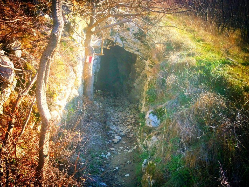 Tunelurile de la Sasca Română 2