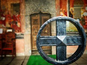 Mănăstirea Căldărușani featured cruce intrare