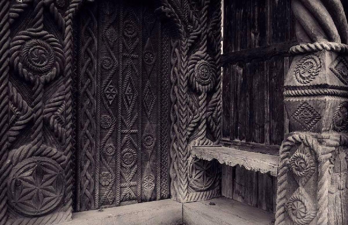Poarta traditionala in Maramures