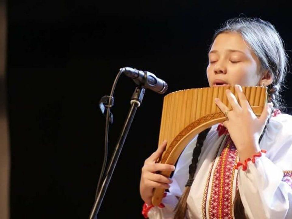 Țugulea Monica Ambasadoarea Văii JIULUI Festivalul Ursul din Carpați 1