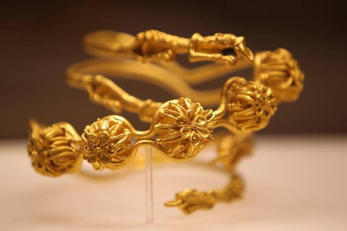 Unul dintre rarele tezaure princiare din aur ale Frăției Getice BAICENI CUCUTENI