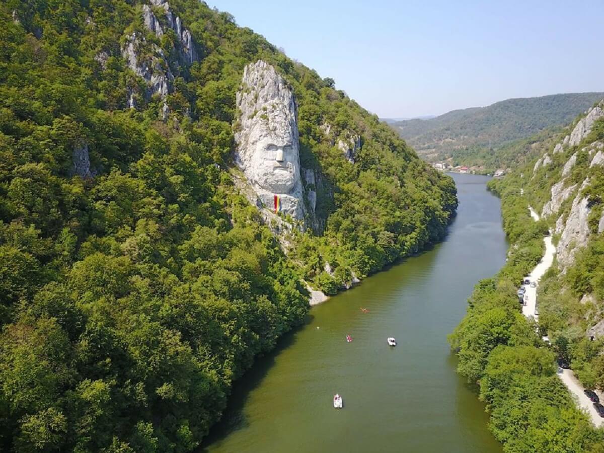 Avram si DECEBAL pe Dunare