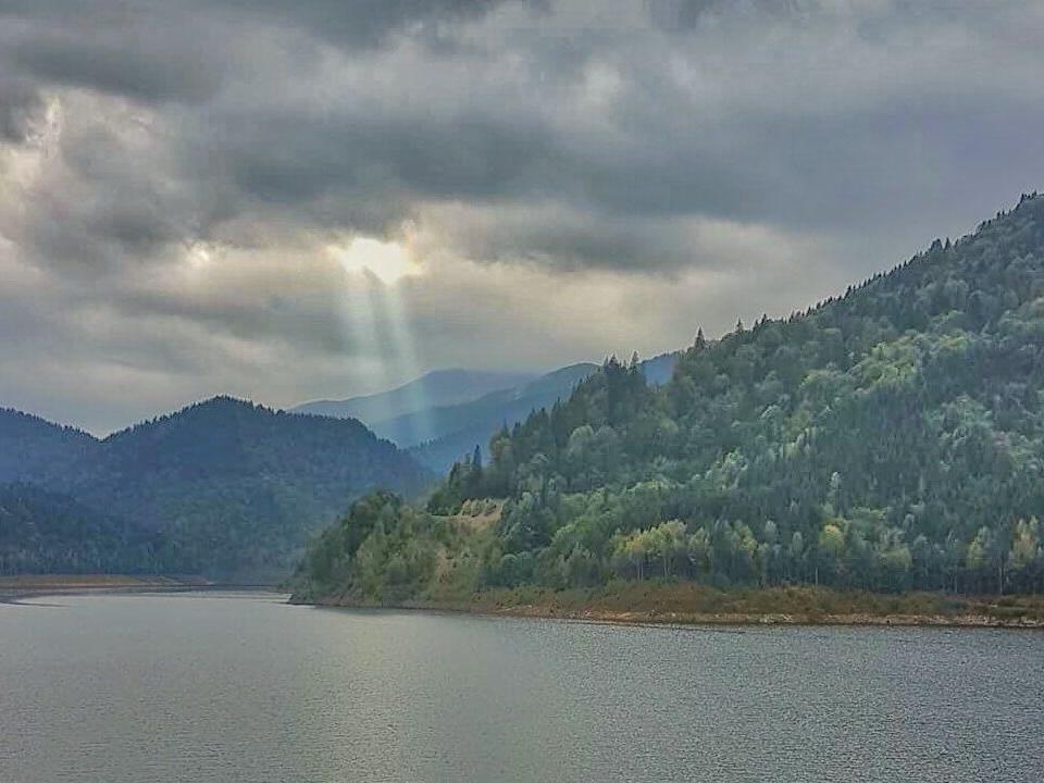 Cel mai frumos loc de pe Pământ – Barajul Gura Apelor 5