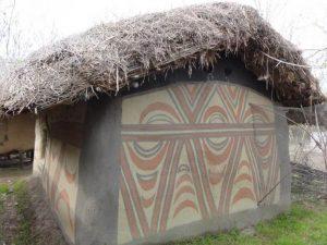 Arheo-parcul Draganesti OLT Featured Casa din neolitic