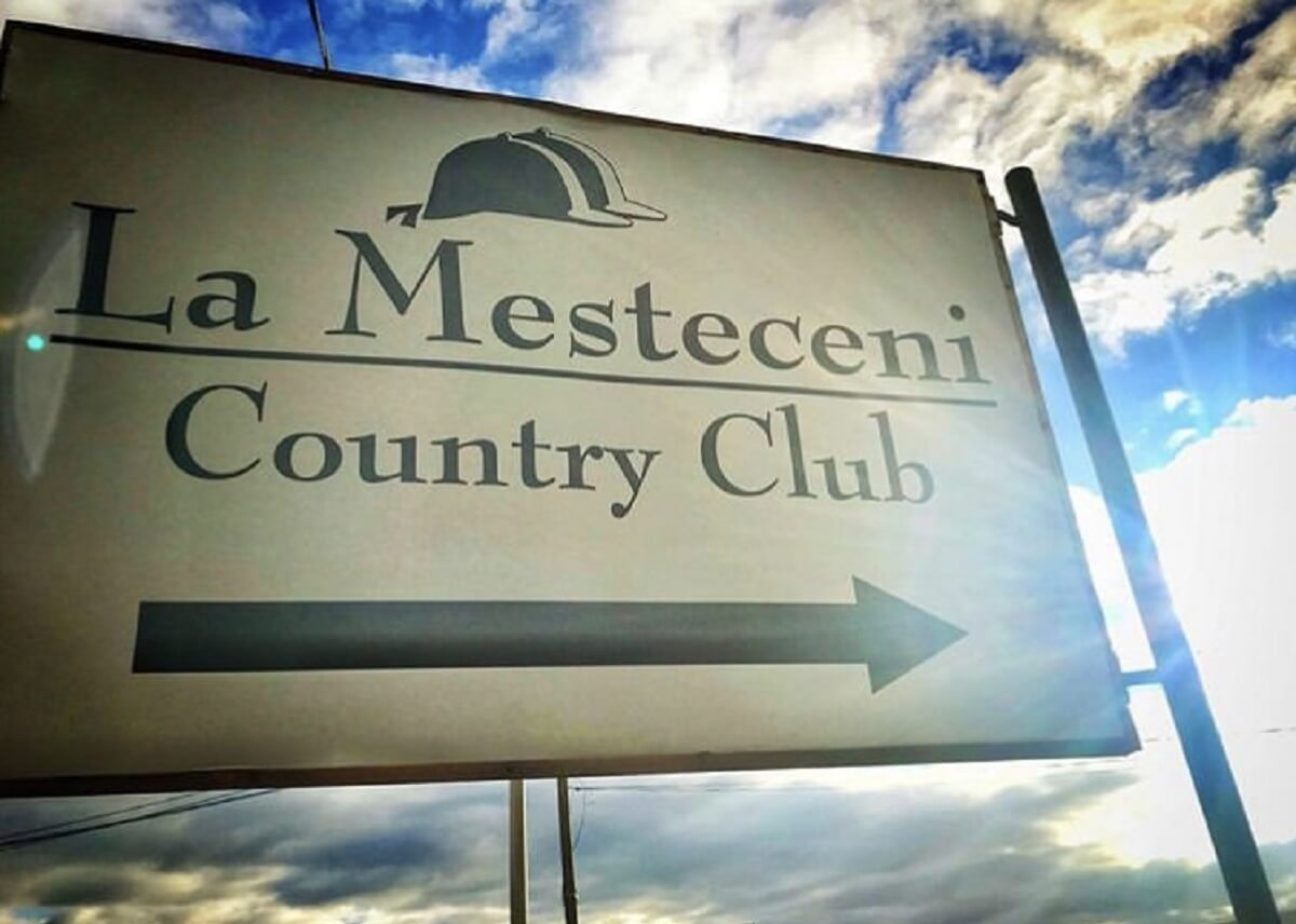 La Mesteceni Country Club SEBES