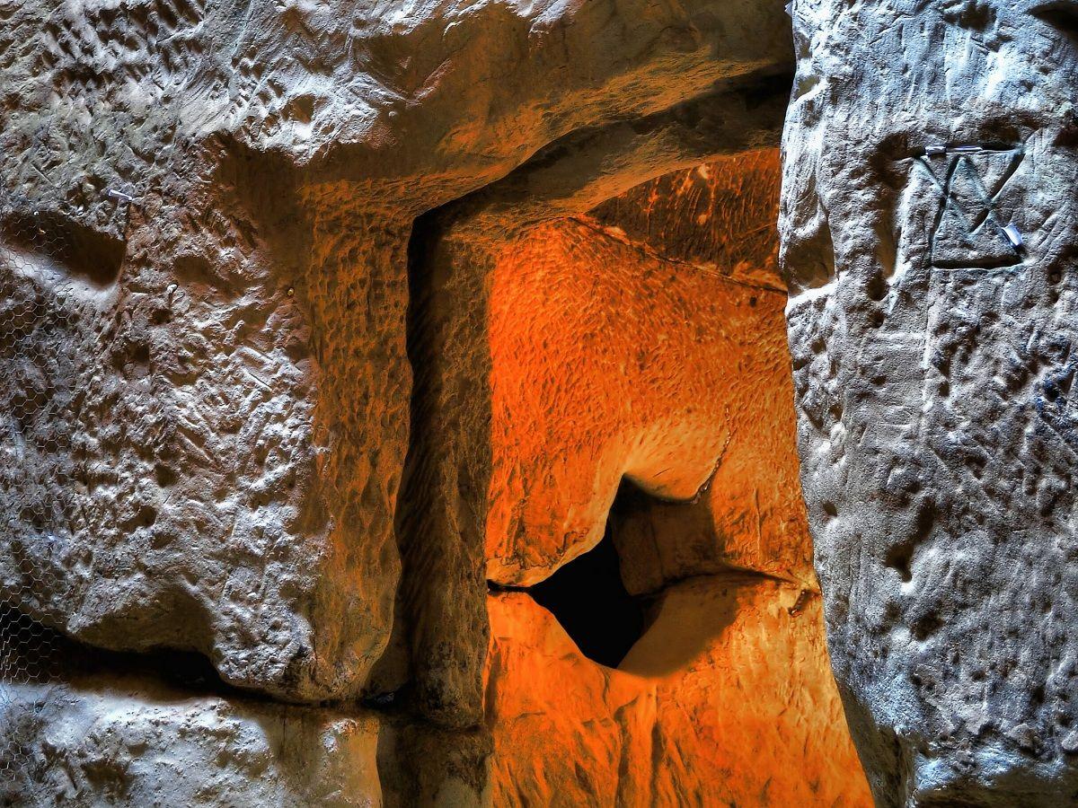 Mănăstirea Şinca Veche săpată în piatră Templul Ursitelor featured